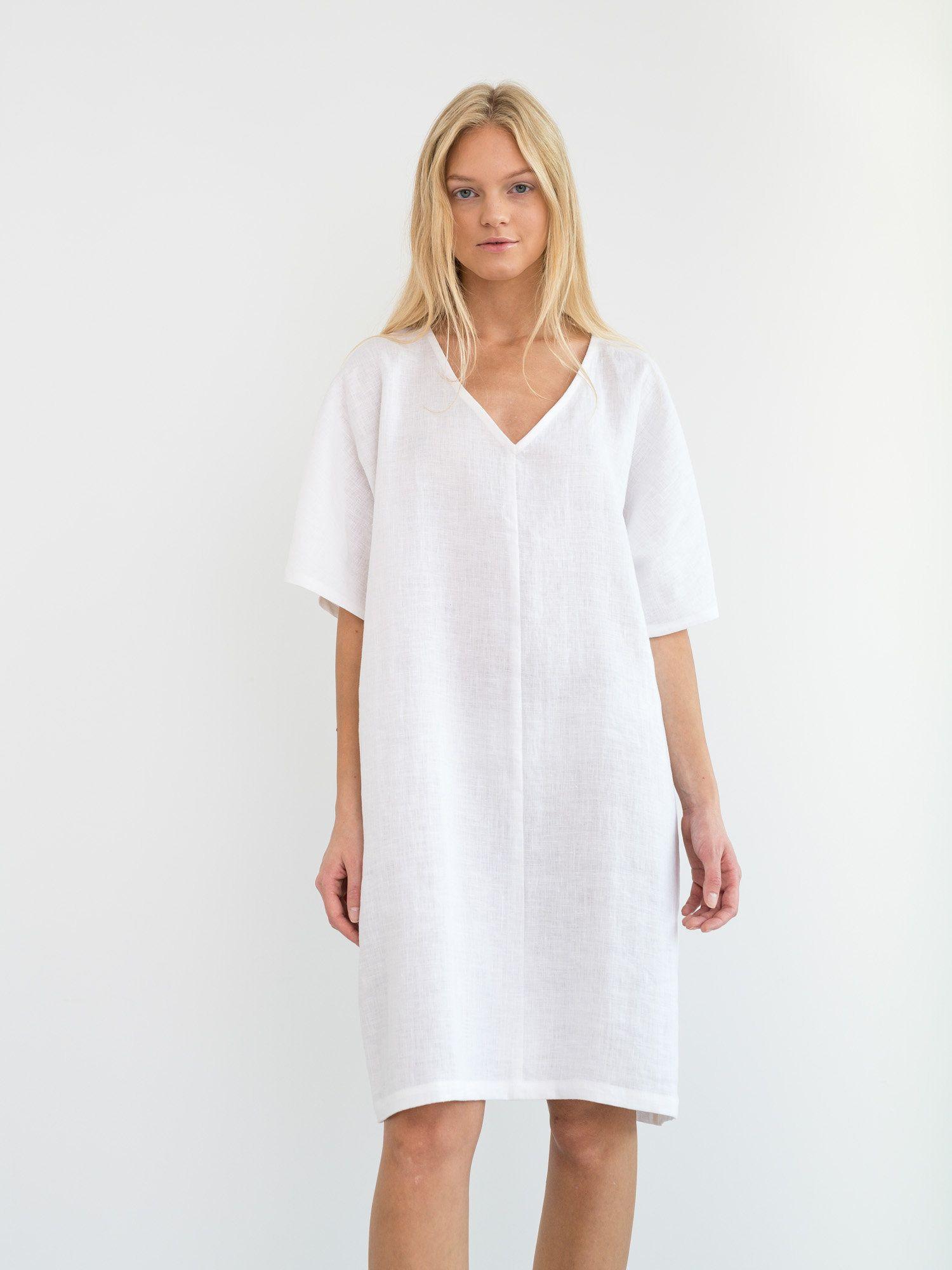 Peony Linen Dress White Oversized Simple Summer Dress Etsy Simple Summer Dresses Summer Dresses Linen Dress [ 2000 x 1500 Pixel ]