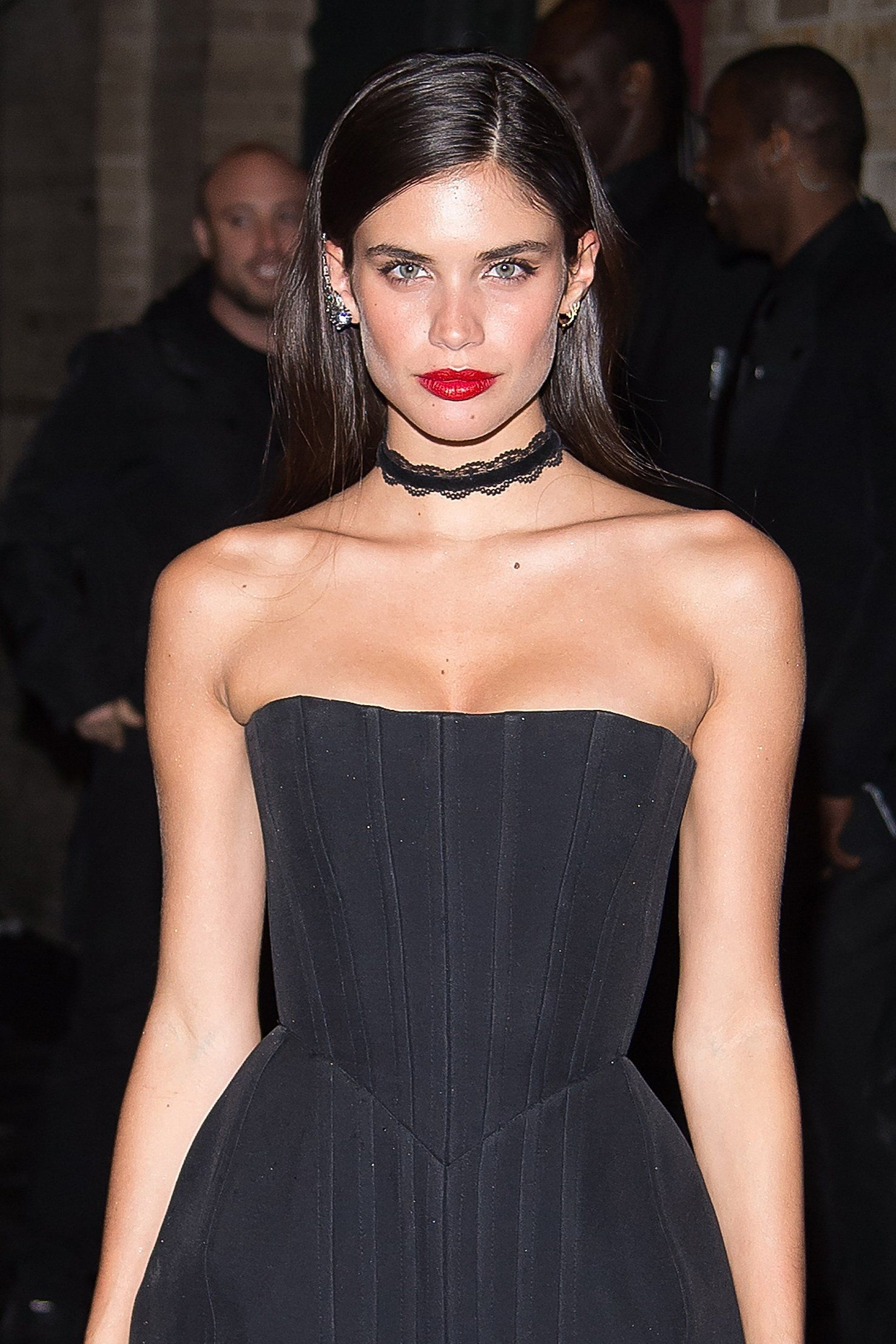 Why Met Gala Supermodels Like Their After Party Hair Sleek And