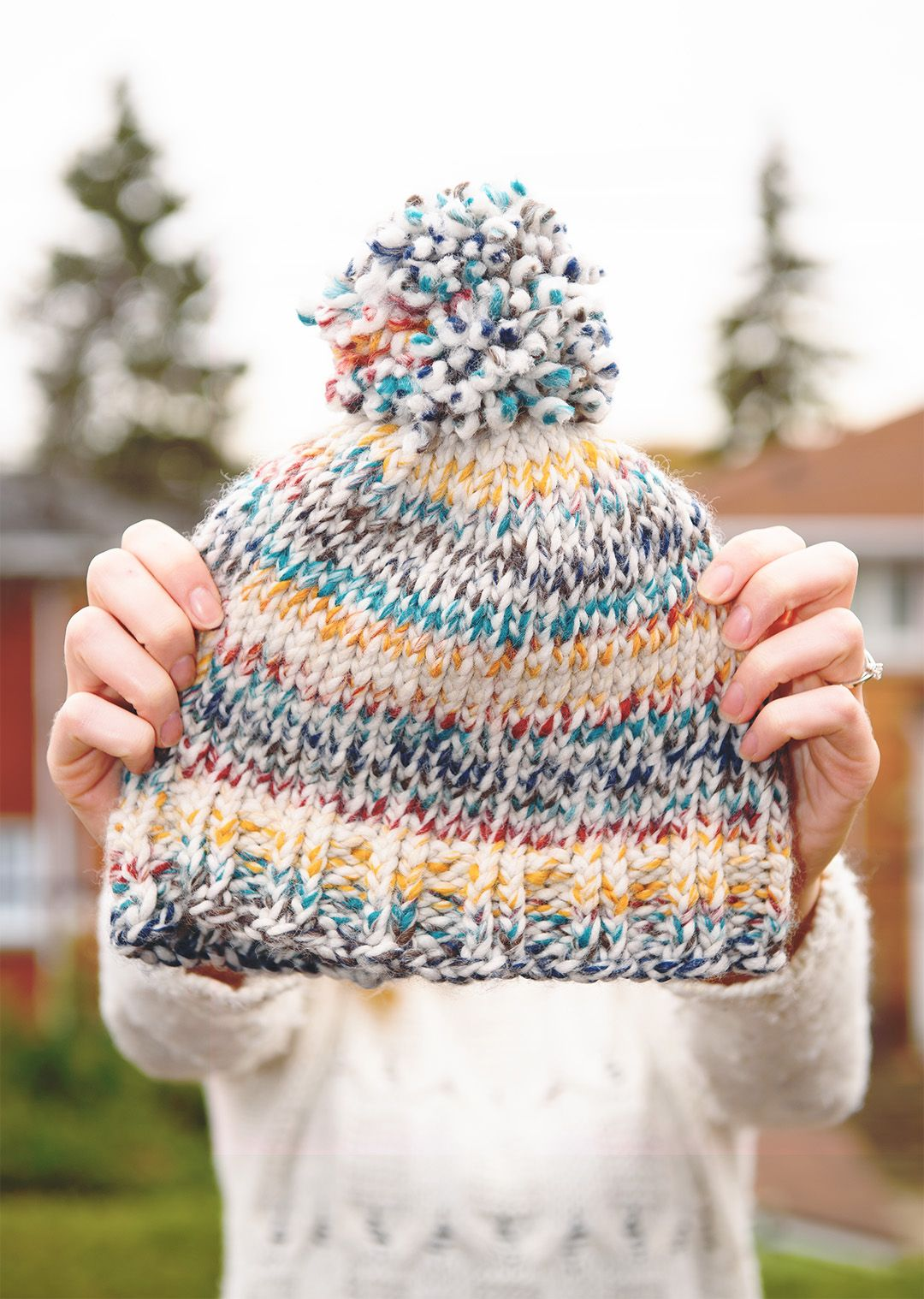 Easy Beginner Knit Toque with free pattern // www.thelovelythings ...