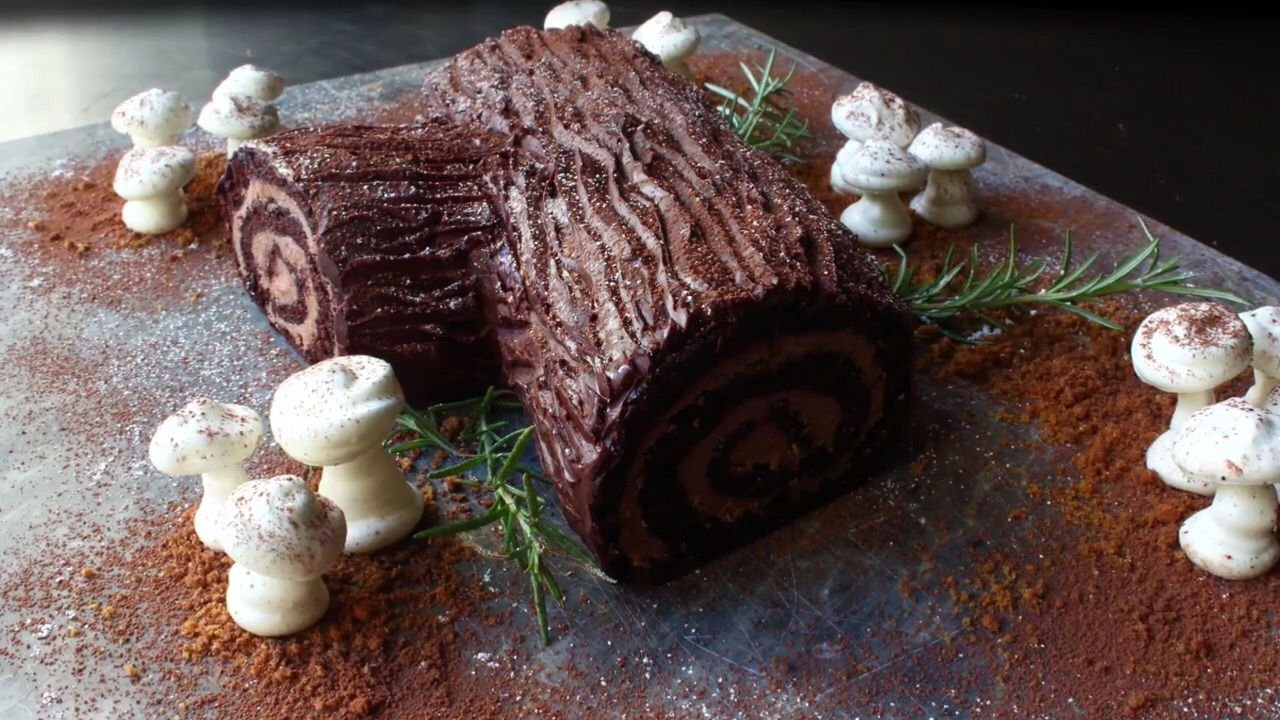 Chocolate Yule Log #yulelog Chocolate Yule Log #yulelog Chocolate Yule Log #yulelog Chocolate Yule Log #yulelog