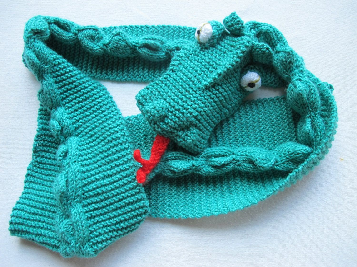 Knitting Pattern For Dragon Scarf : Dragon scarf, from Etsy. Knitting stuff Pinterest ...