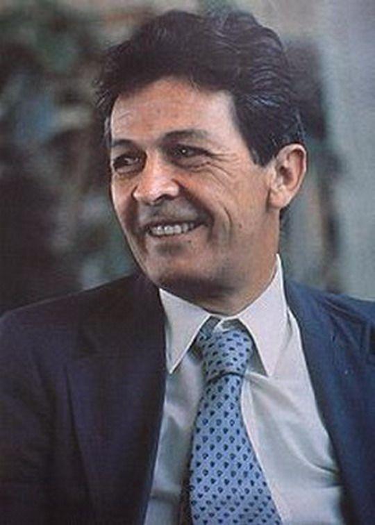 Enrico Berlinguer (Sassari, 25 maggio 1922 – Padova, 11 giugno 1984) è stato un politico italiano, segretario generale del Partito Comunista Italiano dal 1972 fino alla morte e principale esponente dell'Eurocomunismo.