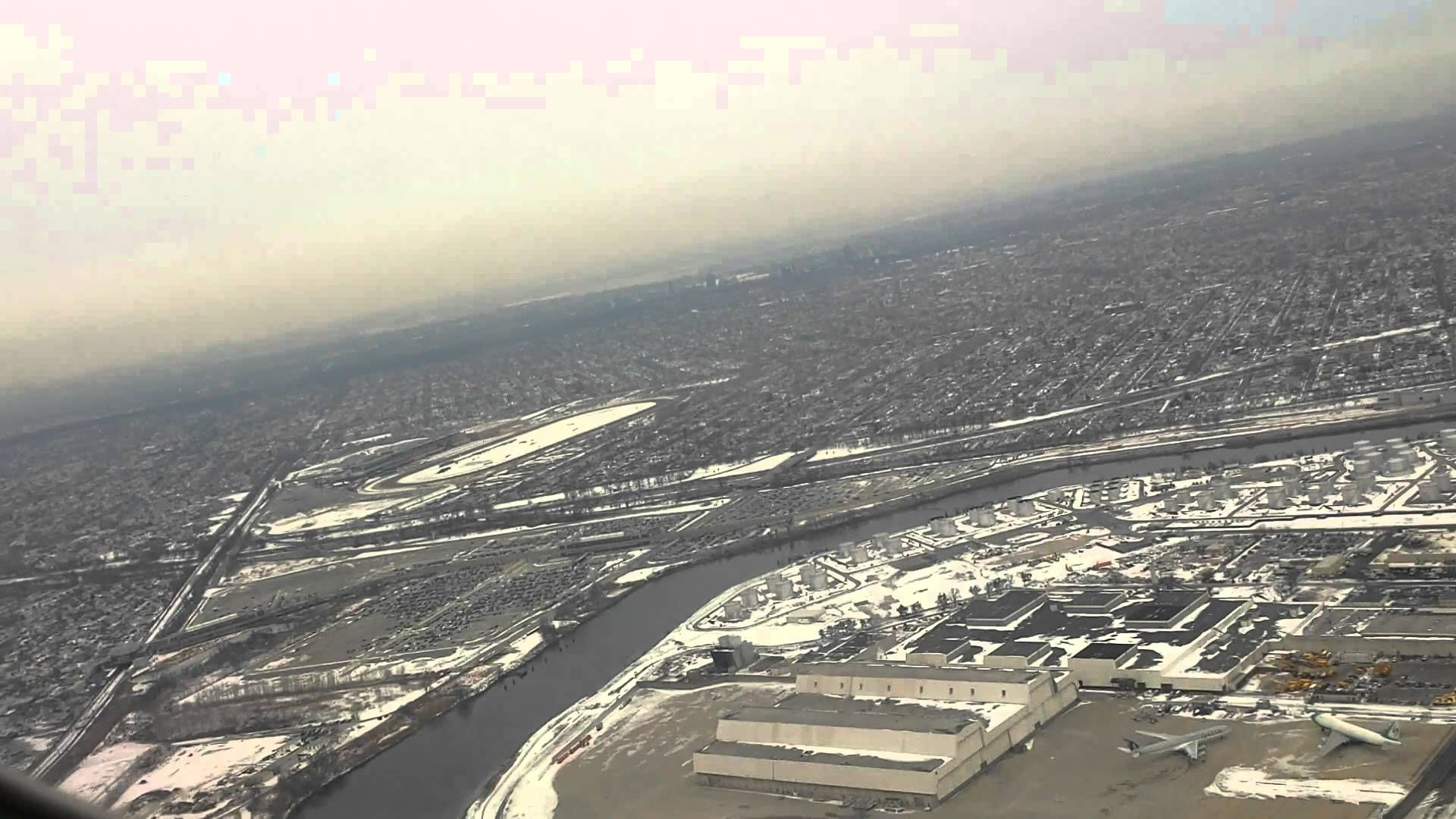 Delta Boeing 737-900 Take-off from JFK Int'l