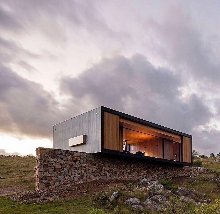 Mapa architects uruguay wood on house maisons et for Casa minimalista uy