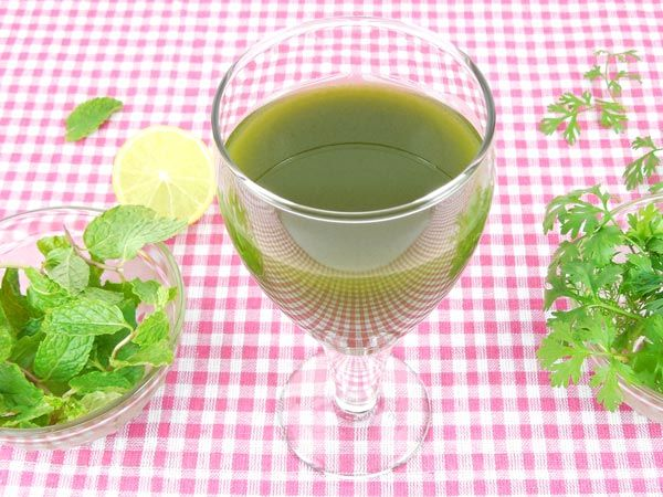 4. Coriander and Mint Juice 1 medium-sized bowl of coriander1 medium-sized bowl of mintJuice of a lemon wedge½ tsp of aamchur½ tsp honey, if neededSalt for taste1 glass of water Method: 1. Put the coriander and mint in the grinder. Add half a glass of water. 2. Start the grinder and make sure the coriander and mint forms a deep green paste-y texture. Add more water if required along with the lime juice and aamchur. 3. Pour into glasses, add salt and honey as needed and serve chilled.