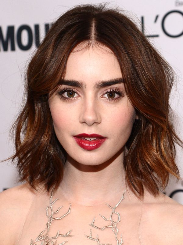 Be Different With Middle Part Hairstyle Ferbena Com Hair Styles Short Hair Styles Lily Collins Hair