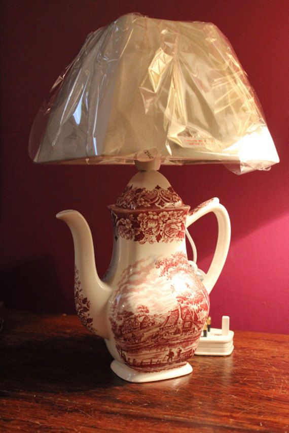 Stunning table lamp. Vintage fine china by Prettyvintagehouse