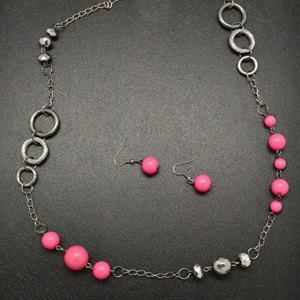 Metallic Spheres with Pink Beads Necklace! Only $5!!