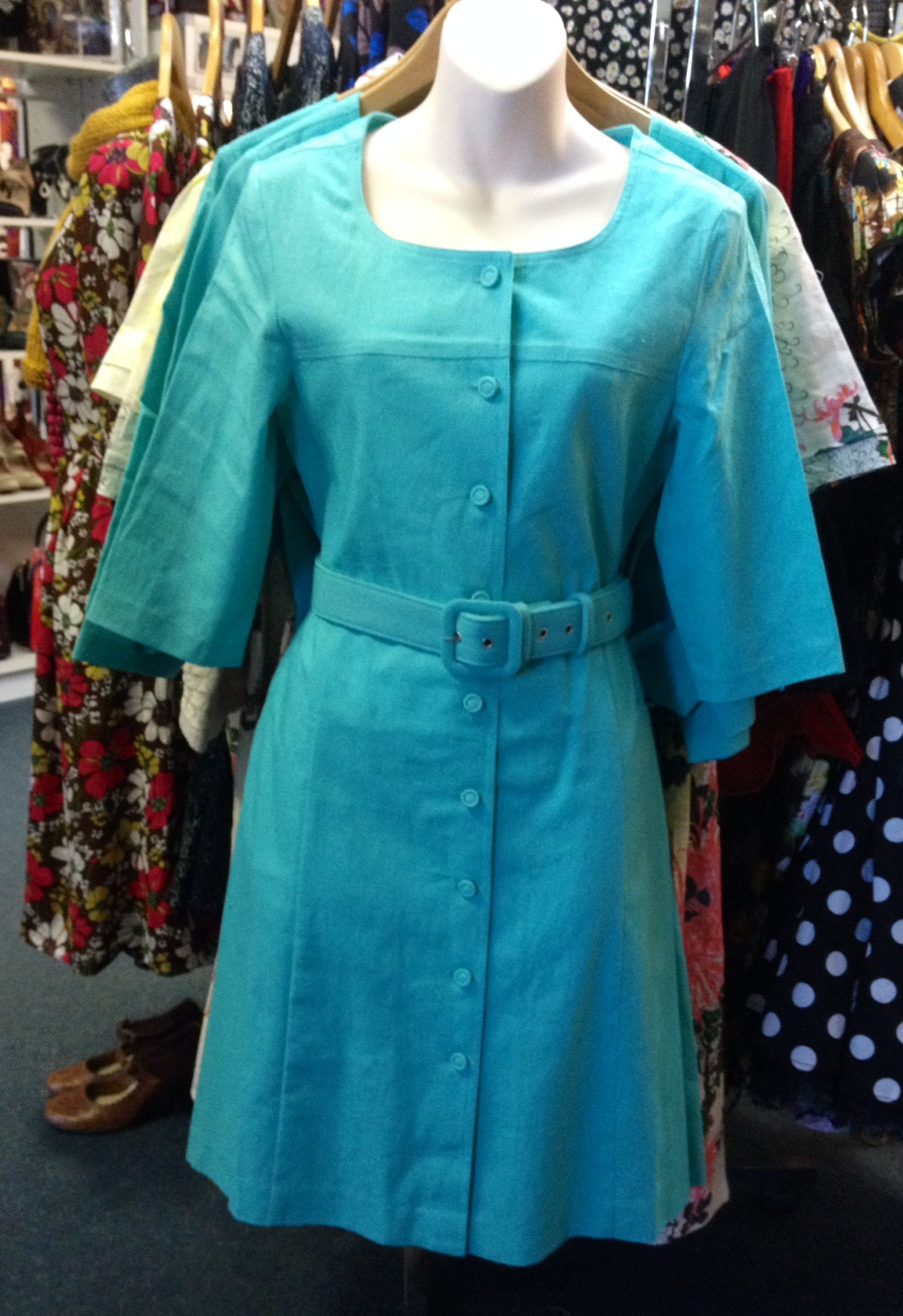 Smart 1960's inspired Shirt Dress by Fever London, comfortable Linen blend with a 3/4 sleeve.  Perfect for work or play!  UK sizes list, please size up for equivalent AU size, eg. UK10 = AU 8