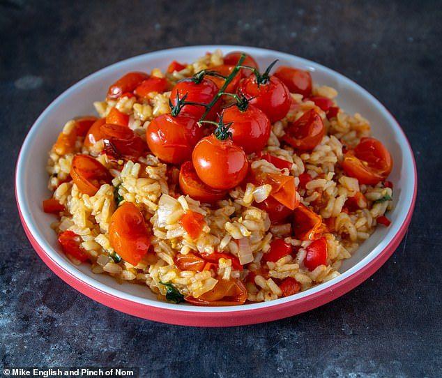 PINCH OF NOM: Tomato and chilli risotto