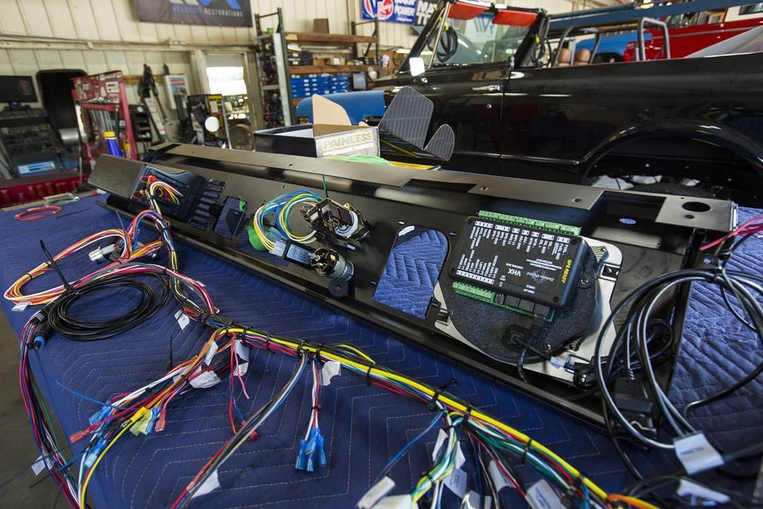 Wiring up the dash for the '76 Classic Ford Bronco