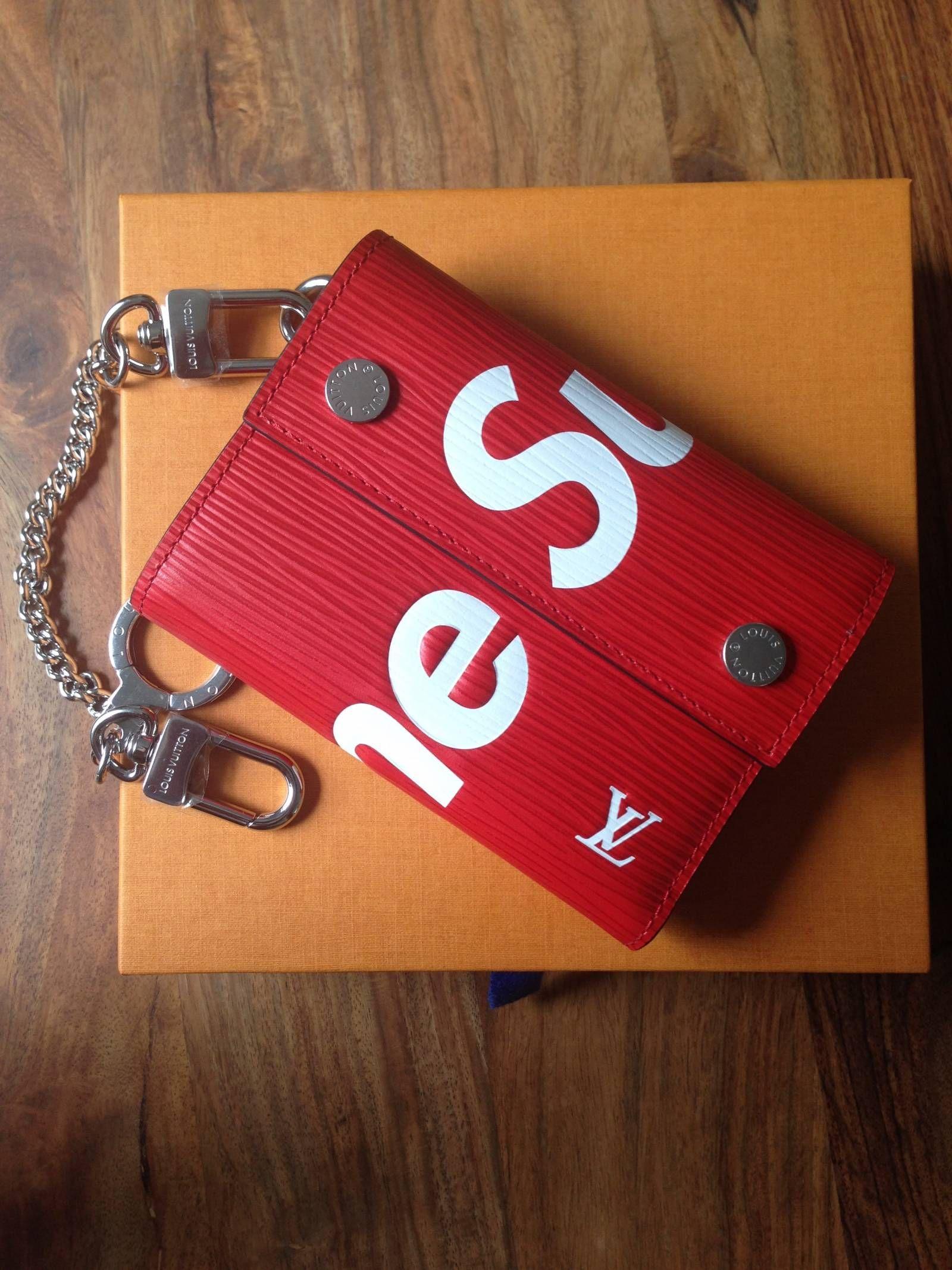 9deb60bc1454 Louis Vuitton x Supreme Chain Wallet