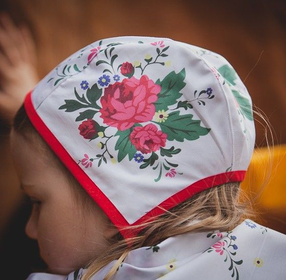 Aline children's hat via Daladräkt.