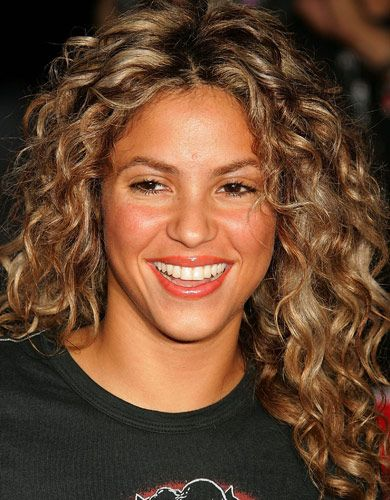 Shakira Curly Hair Curly Hair Styles Curly Hair Styles Naturally Shakira Hair
