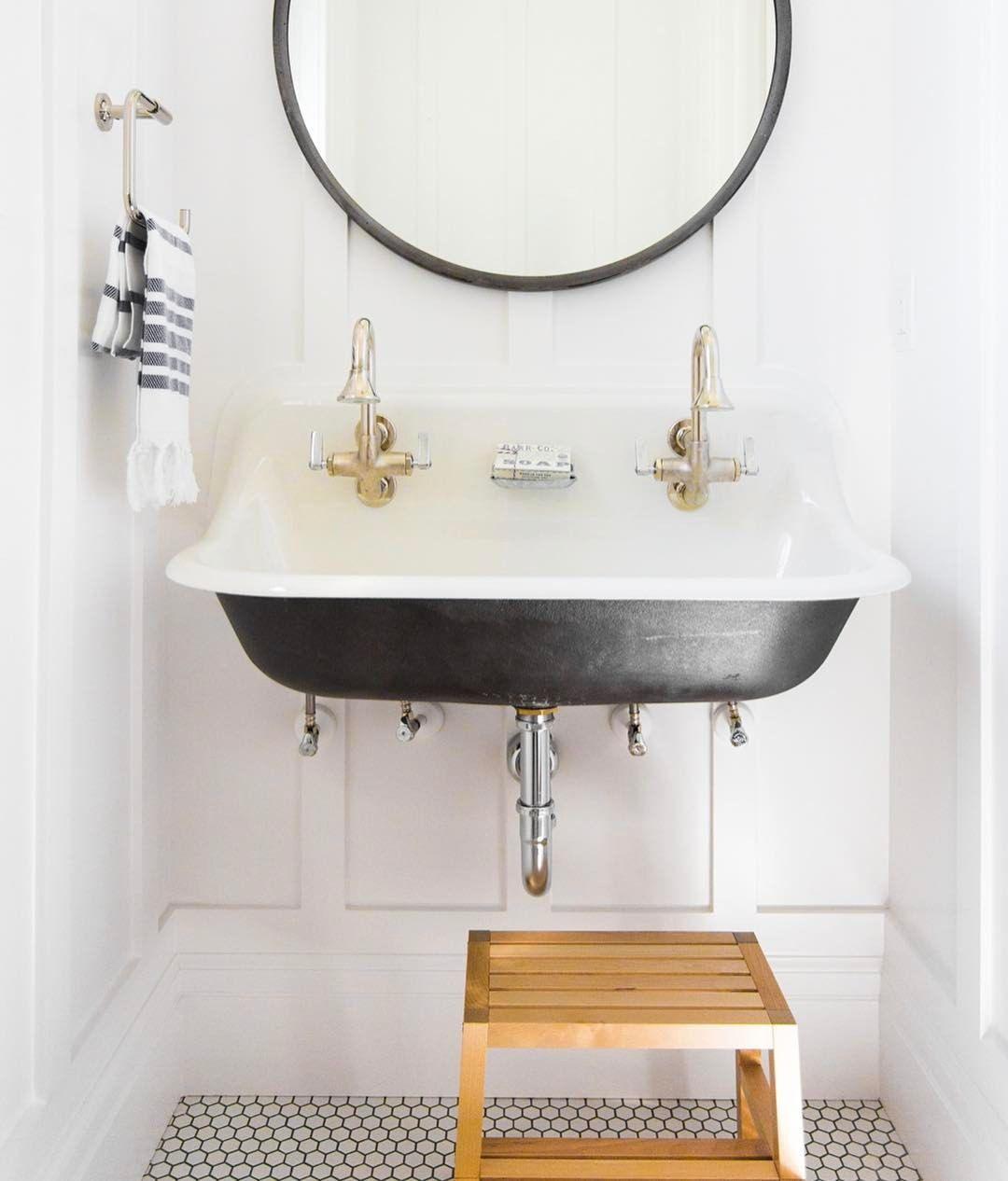 Pin by Raven Vasquez on i n t e r i o r s | Unique bathroom ...