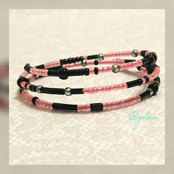 Pink/black Beaded wrap around bracelet Hot pink and black, beaded ...