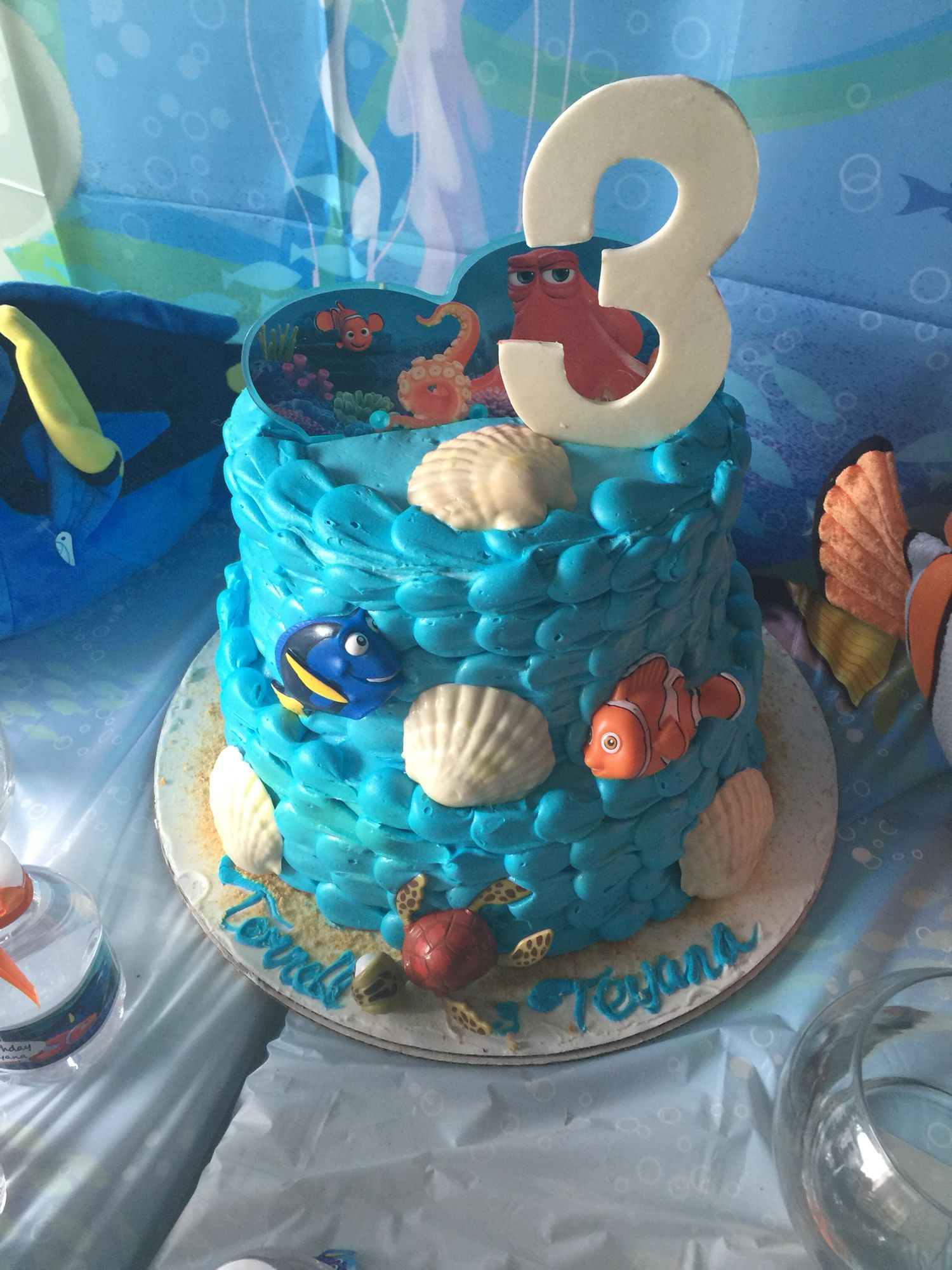 Finding nemo and dory cake with images dory cake cake