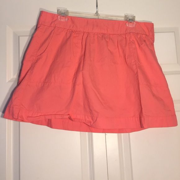 Peach Skirt With a side zipper and pockets, this simple and cute skirt is adorable any time of year! Old Navy Skirts