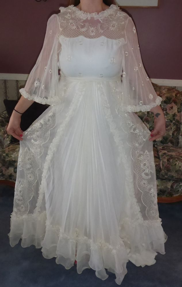 Embroidered Organza Netherlands Holland Gown Wedding Dress Wedding Dresses Wedding Dresses Vintage