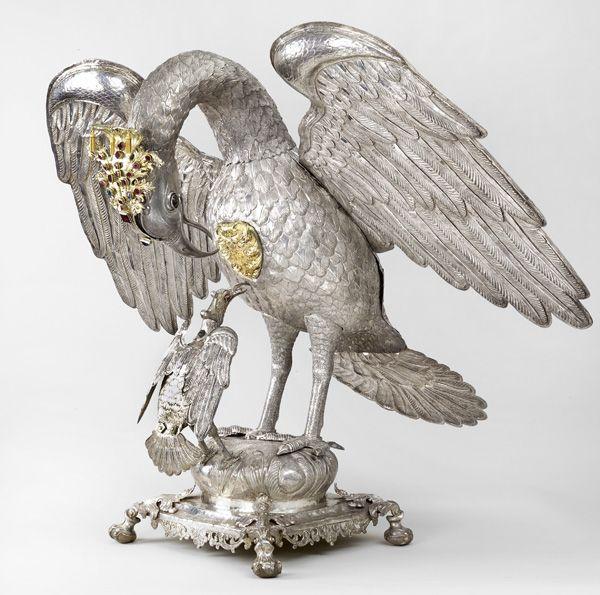 Anonymous, possibly Lima, Depósito eucarístico con forma de pelícano (Eucharistic urn in the shape of a pelican), circa 1750 – 1760, partially gilded silver, and gemstones.  MONASTERIO NUESTRA SEÑORA DEL PRADO, LIMA, PHOTO ©DANIEL GIANNONI.