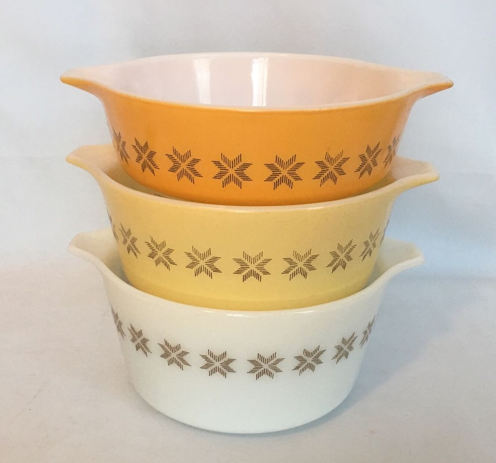Pyrex Town and Country Casserole Dish Tab Handle With Lid #472