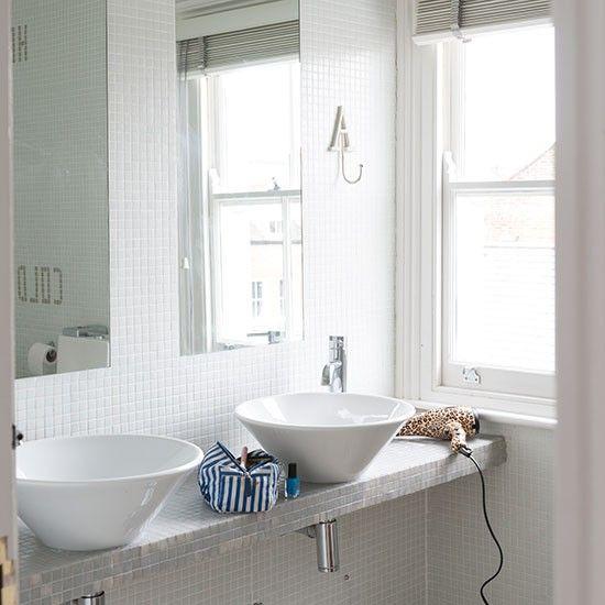 Weiß Bad mit Mosaikfliesen Wohnideen Badezimmer Living Ideas ...