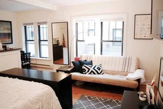 Anna S Accidentally Minimalist Chicago Apartment With Images Apartment Inspiration Chicago Apartment Home