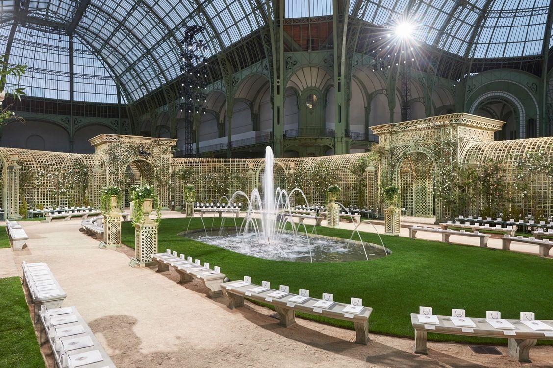 a1d1e16c9 Set Decor For The Chanel Spring/Summer 2018 Haute Couture Show. Grand  Palais, Paris, France. 3e Ave. du General Eisenhower. January 24. 2018.  10:00AM.