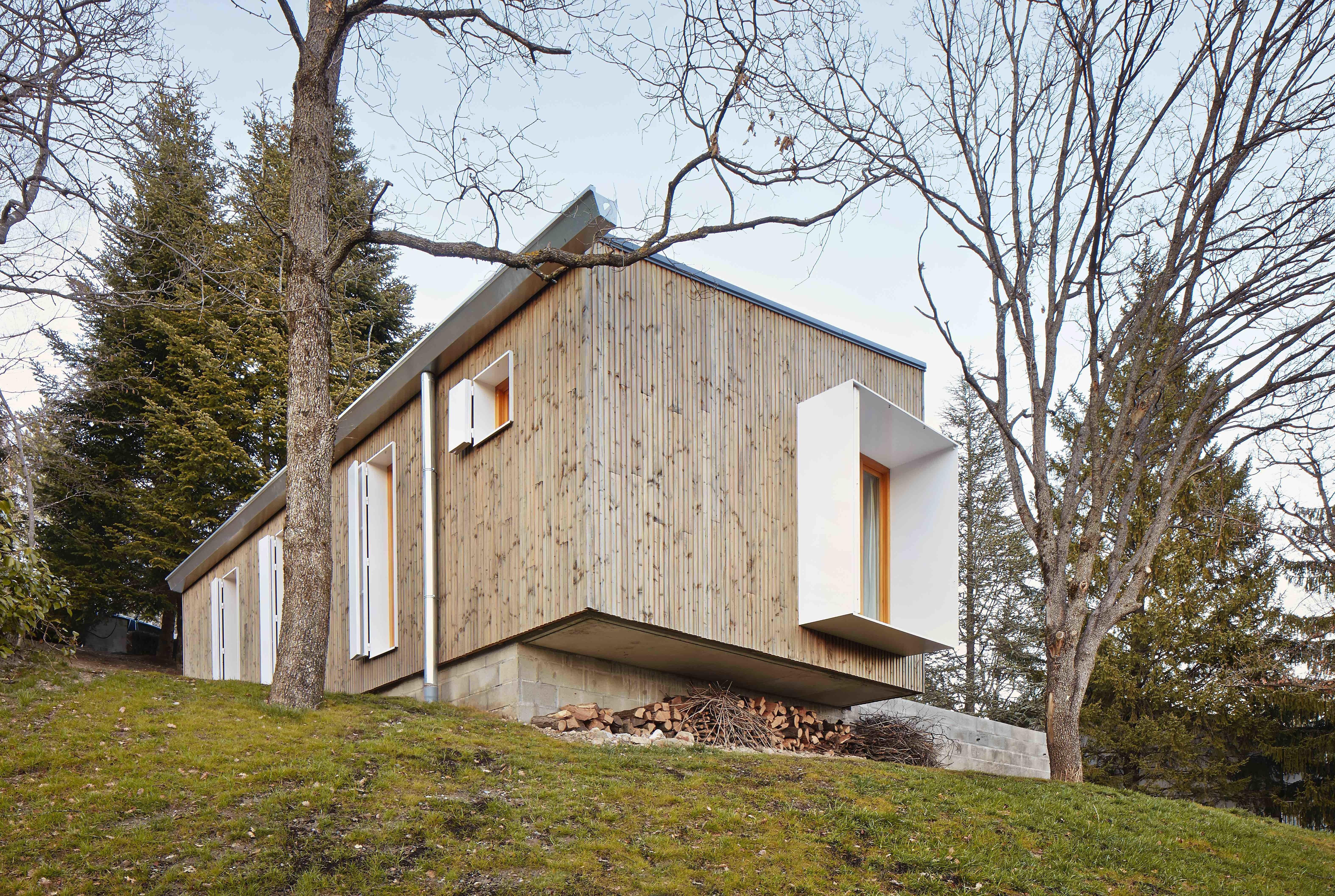 spanish architect marc mogas transported the prefabricated interior rh pinterest com