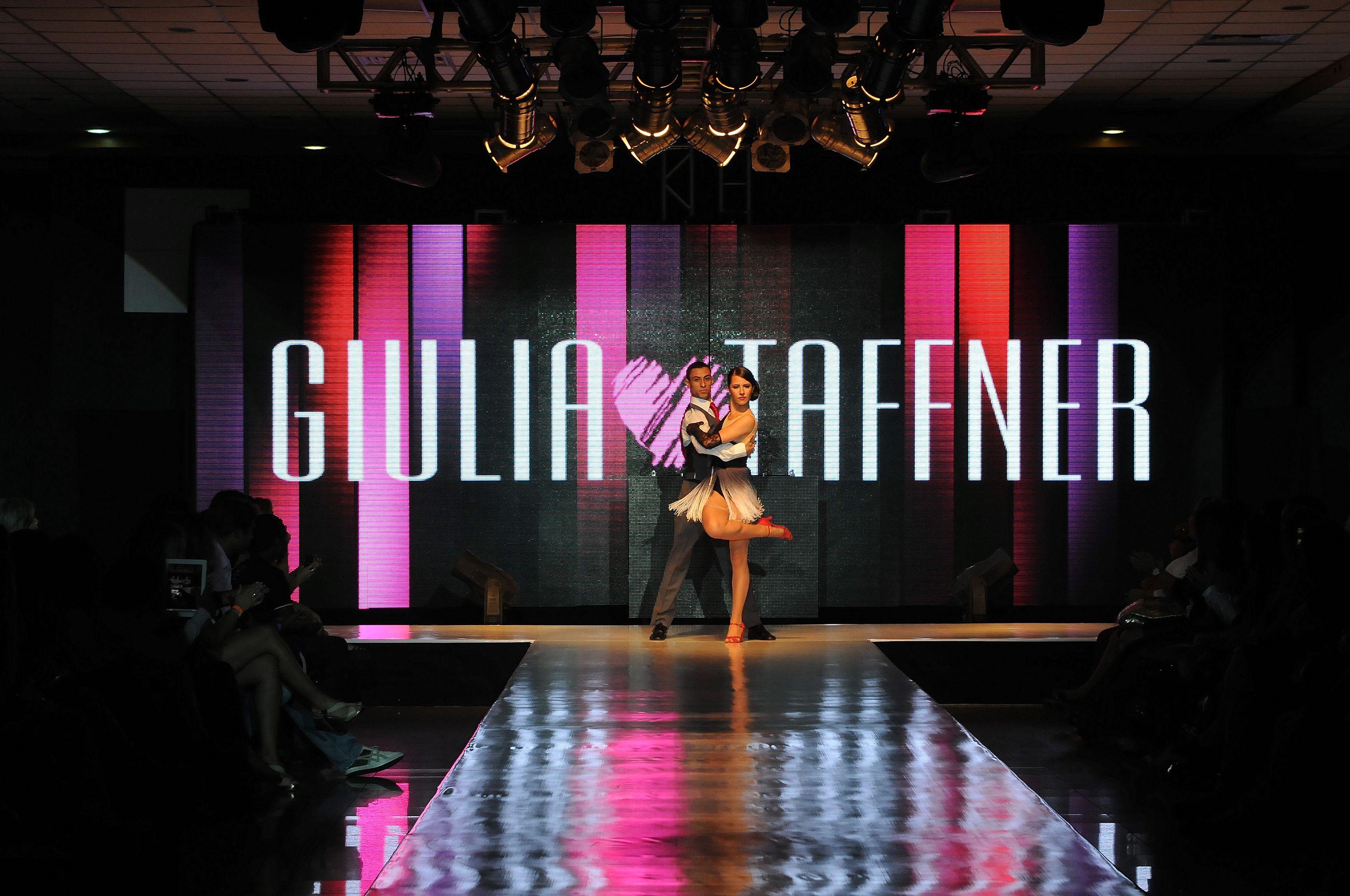 A apresentação de tango maravilhosa da Arquitetura da Dança, deixou nosso desfile ainda mais especial. #giuliataffner #lingerie #desfile #arquiteturadadanca
