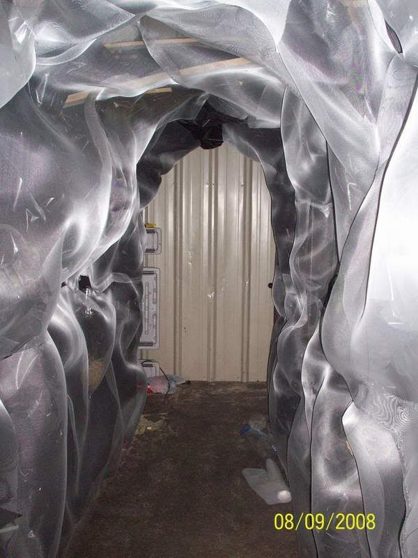 haunted cave tutorial related idea how about flapping tulle or rh pinterest com
