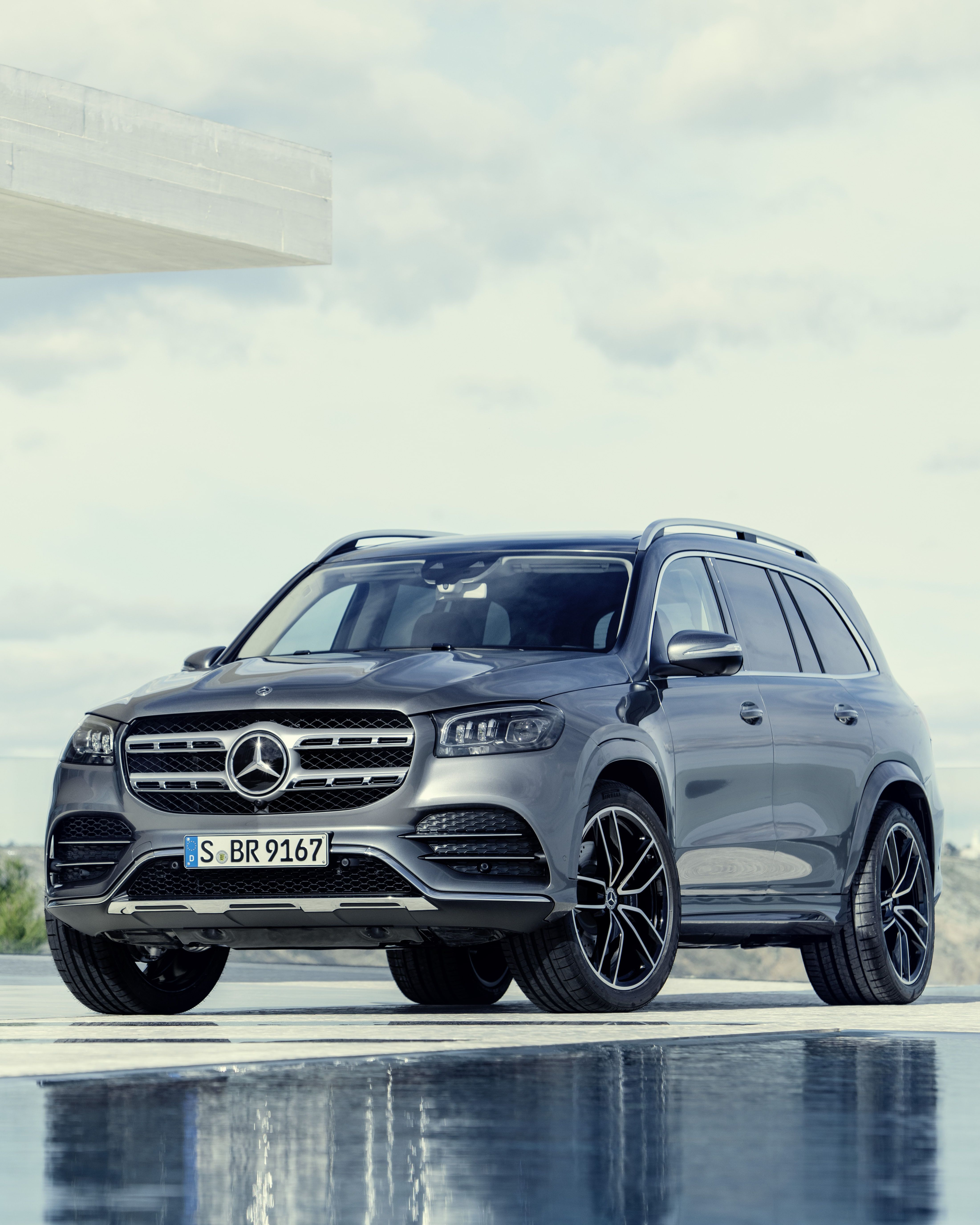 2019 Mercedes Benz Gls Your Family S Car Suvs Which We Know For Their Sportier Appearance Fall Into The Category Of Pickup Truck Mercedes Suv Benz Car Benz