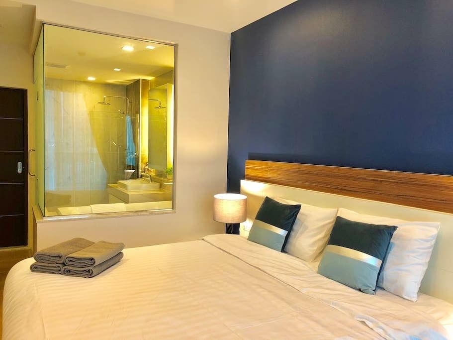 Glass Corner Bathroom Attached To Bedroom Interior Home Decor Interior Design