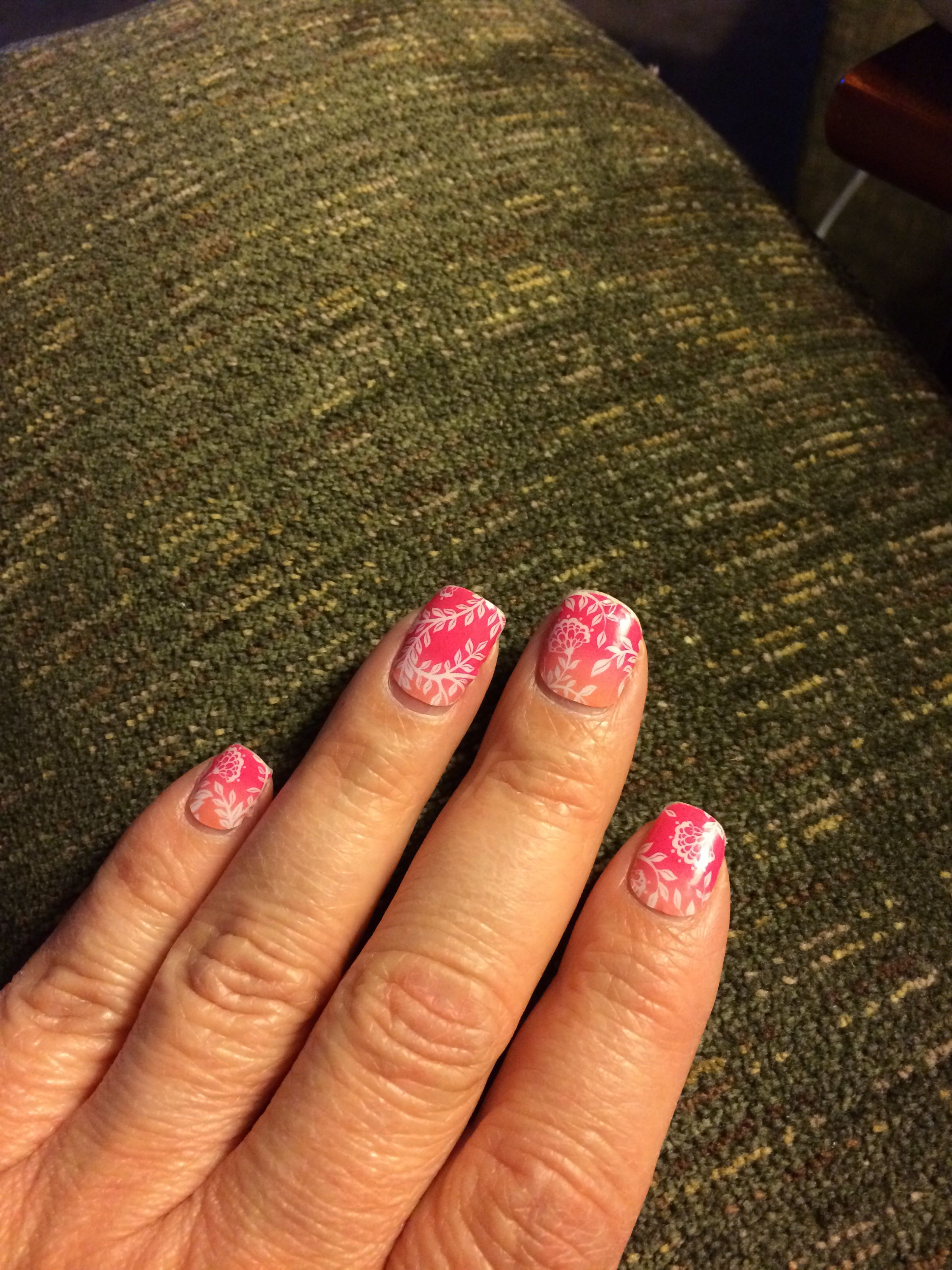Carmen Ombré jamberry nail wrap on a natural nail after 2 weeks ...
