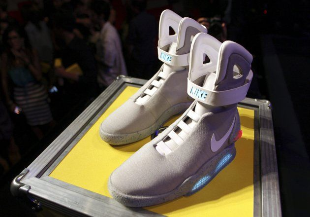 We wear-test the self-lacing Nike MAG. It's awesome! - YouTube |Nike Mag Outfit
