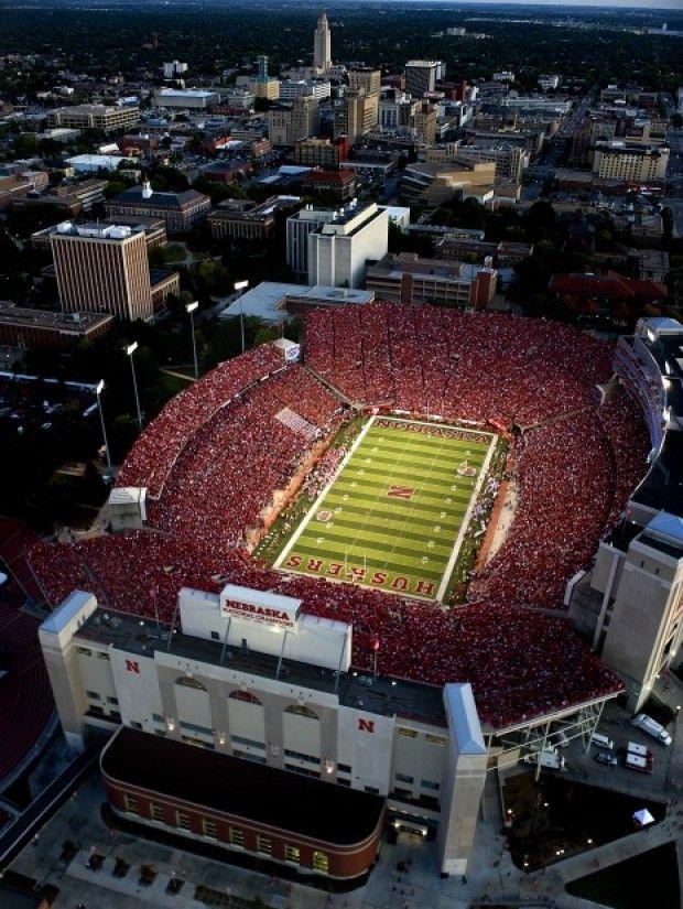 Memorial Stadium At Night Nebraska Football Nebraska Cornhuskers Football Nebraska Huskers Football