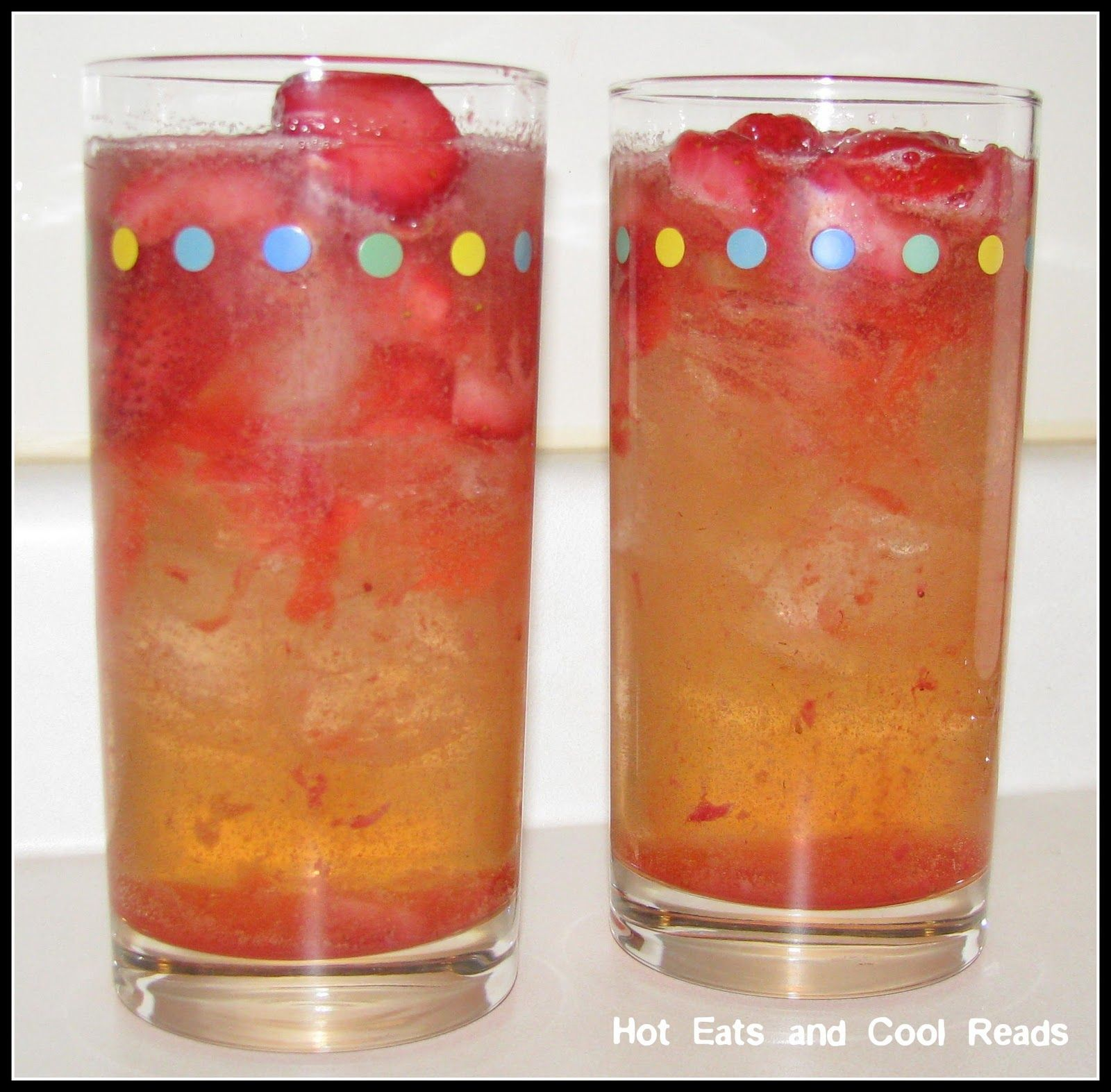 Strawberry Vodka And Ginger Ale Strawberry Vodka Cocktail