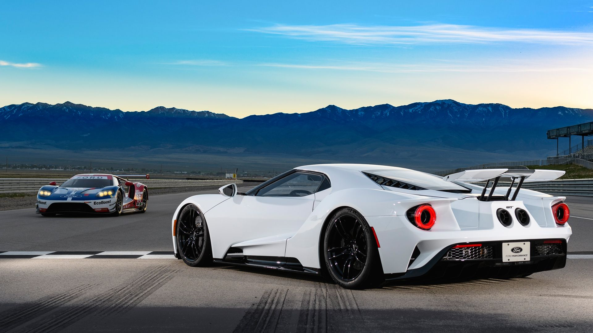 PC Wallpapers/ Backgrounds Ford GT Super Car Le Mans