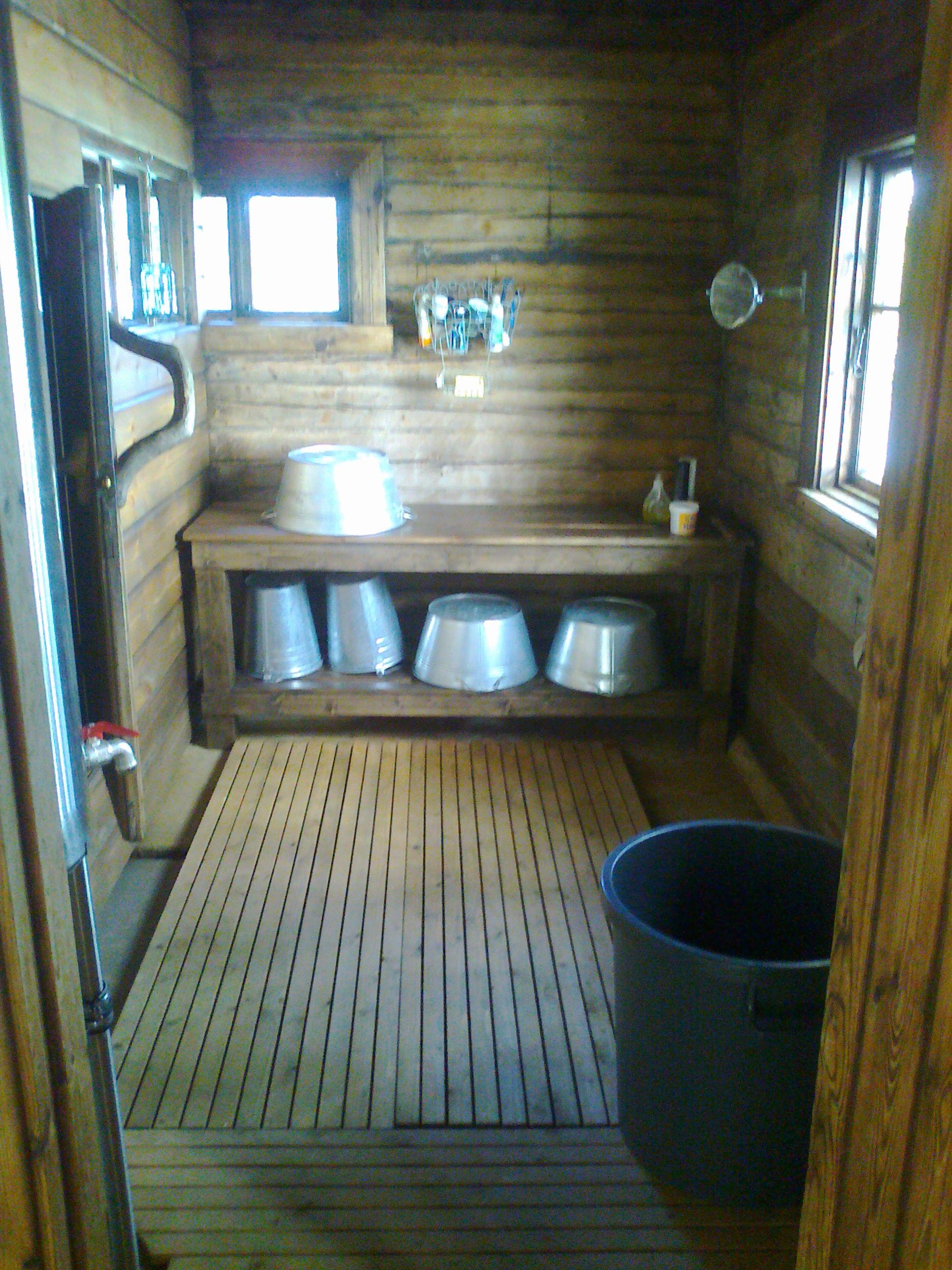traditionelle finnische saune rustikale saune aufguss mit