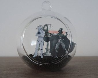 Suspension Boule en verre décoration Star Wars avec Dark Vador et