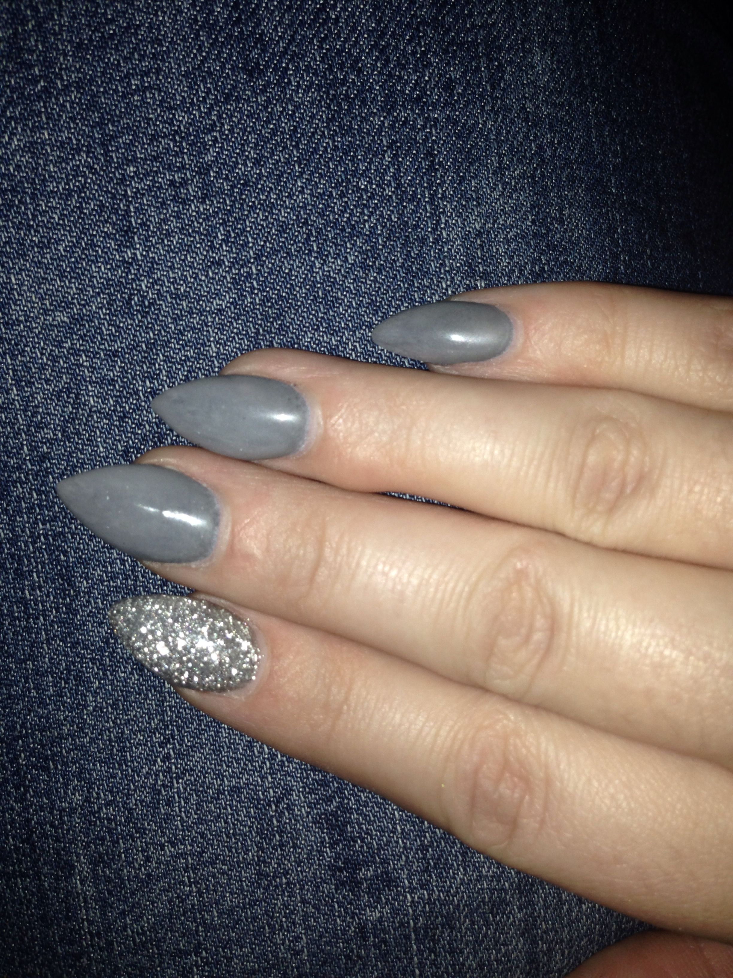 New Nails Grey And Silver Pointed Nails Pointed Nails Short Acrylic Nails Long Acrylic Nails