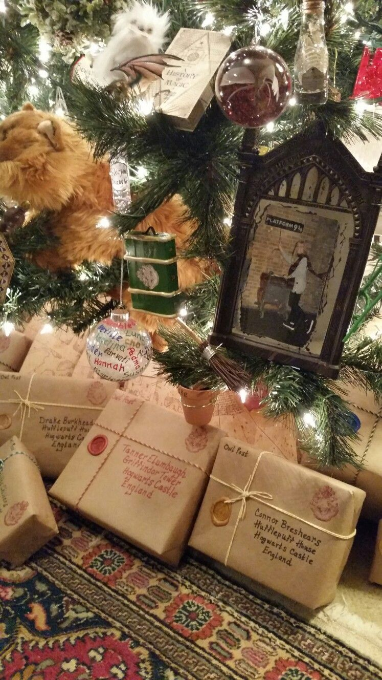 Pin By Chelsea Reynolds Emery On Hogwarts Is My Home Harry Potter Christmas Harry Potter Christmas Tree Harry Potter Christmas Ornaments