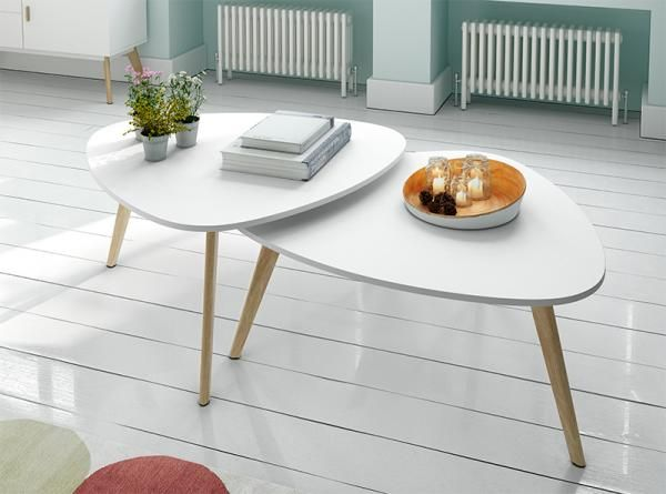 Contemporary Curved Set of 2 White Coffee Tables with Oak Legs Wood