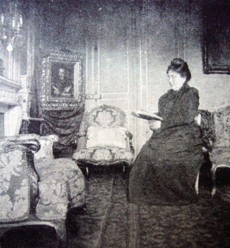 Madame jeanne proust dans son salon du 45 rue de for Nue dans son salon