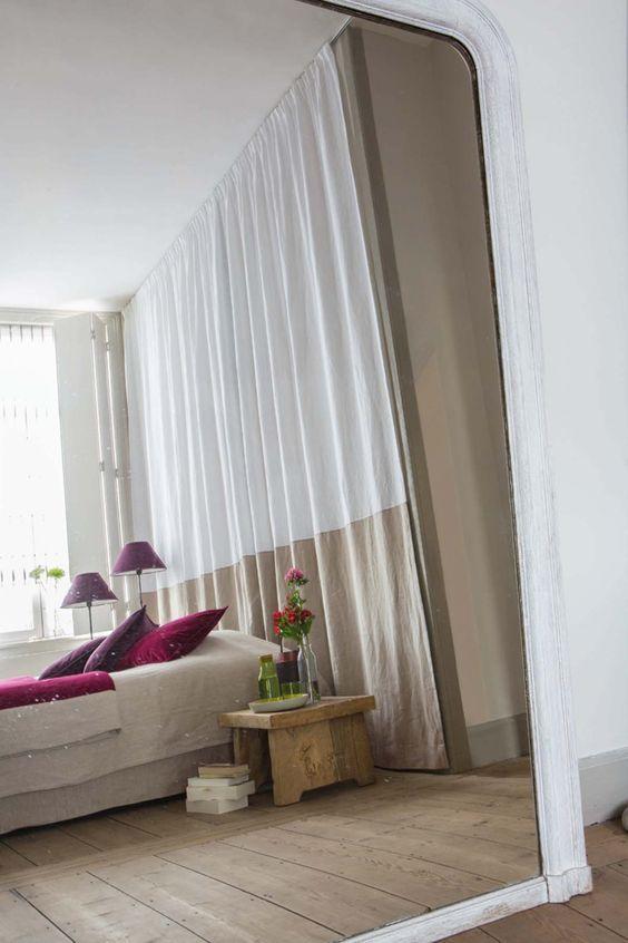 Des têtes de lit habillées avec des rideaux | Pinterest | Vanities ...