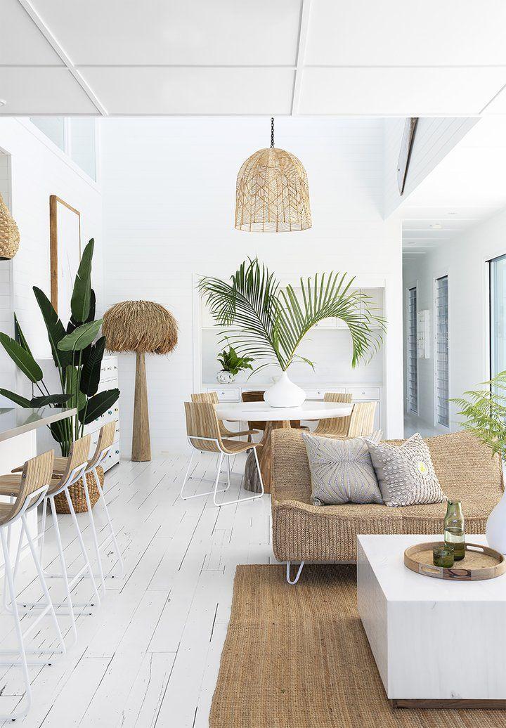 Disturbed Shabby Chic Living Room #homecoming #FurnitureLivingRoomChairs #coastallivingrooms