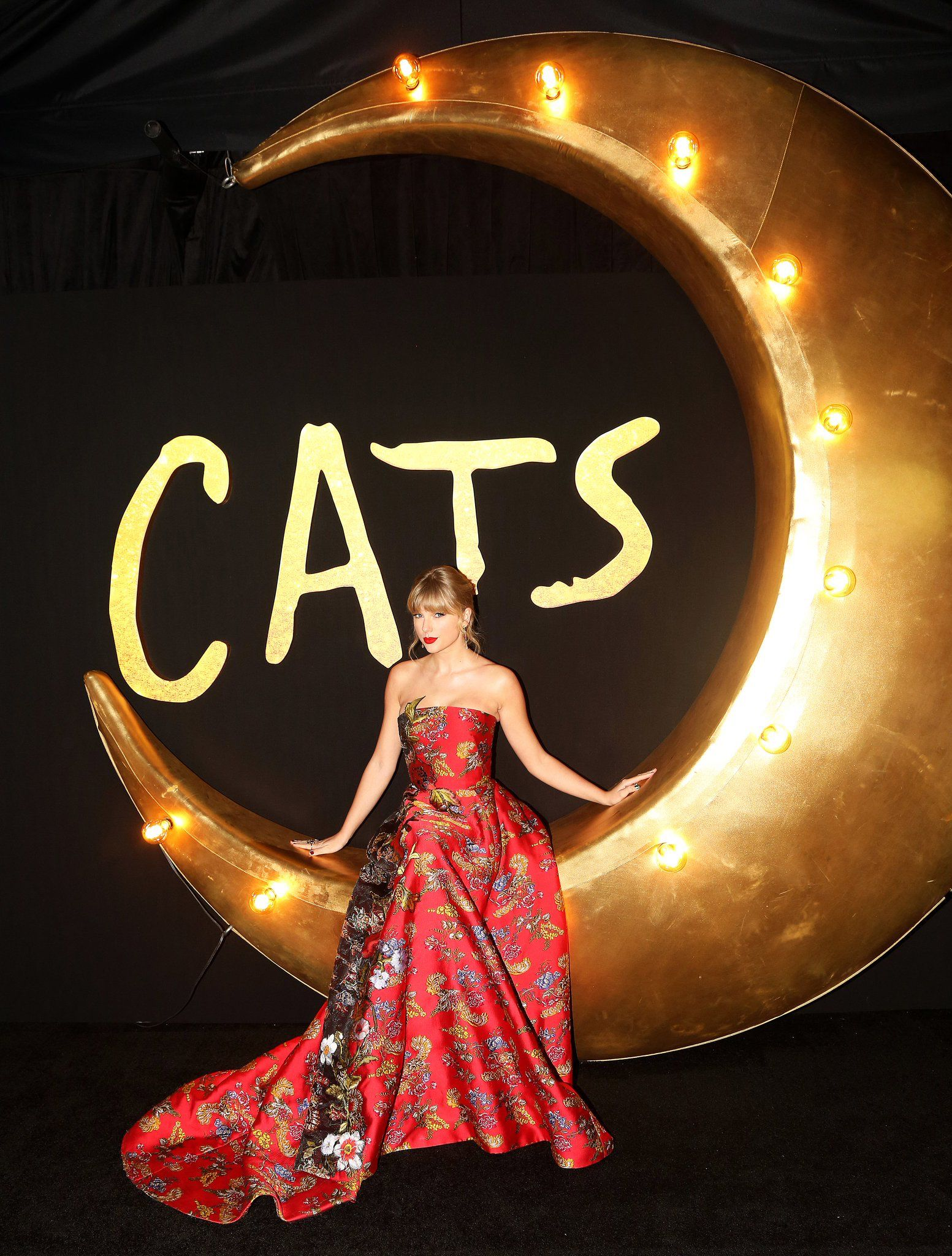 Cats premiere in 2020 Taylor swift pictures, Long live