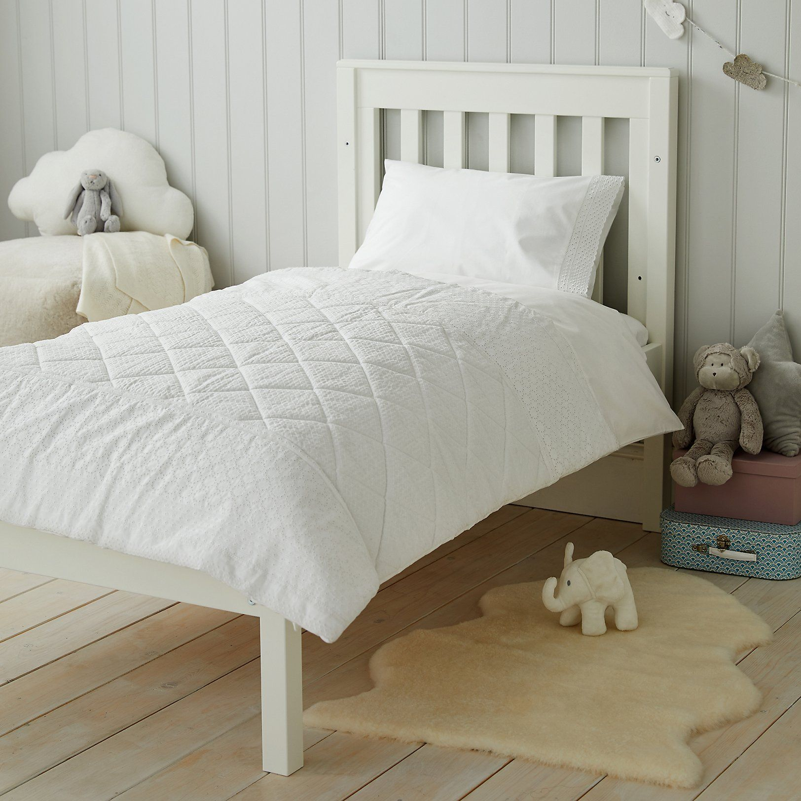 Perfect white quilt blankets cushions u quilts the white