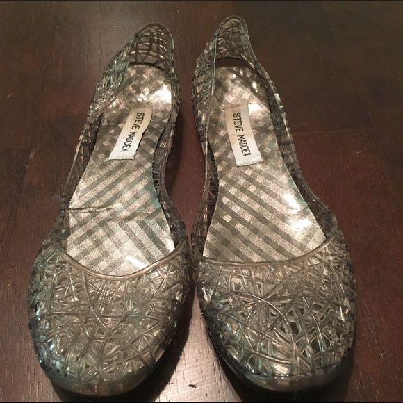 9955b4e0fee Steve Madden jelly flats Lightly worn black grey jelly flats  lining coming  up a little but could easily be glued back down Steve Madden Shoes Flats    ...