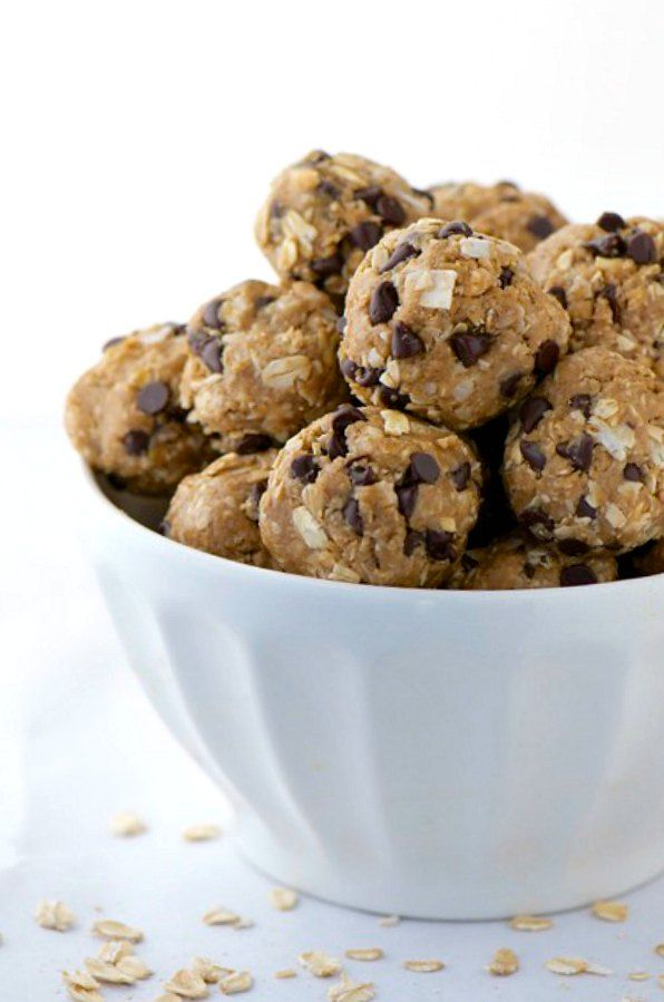 Less than 10 ingredients and 10 minutes later you'll be enjoying these Peanut Butter Chocolate Chip Energy Bites.